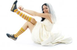 Bride-Wearing-Trainers